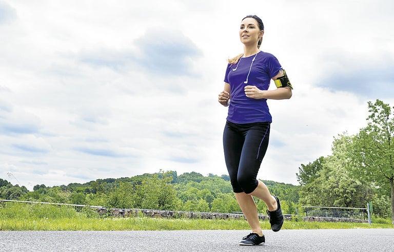 El peso del cuerpo sustituye a las pesas para entrenar en el gimnasio