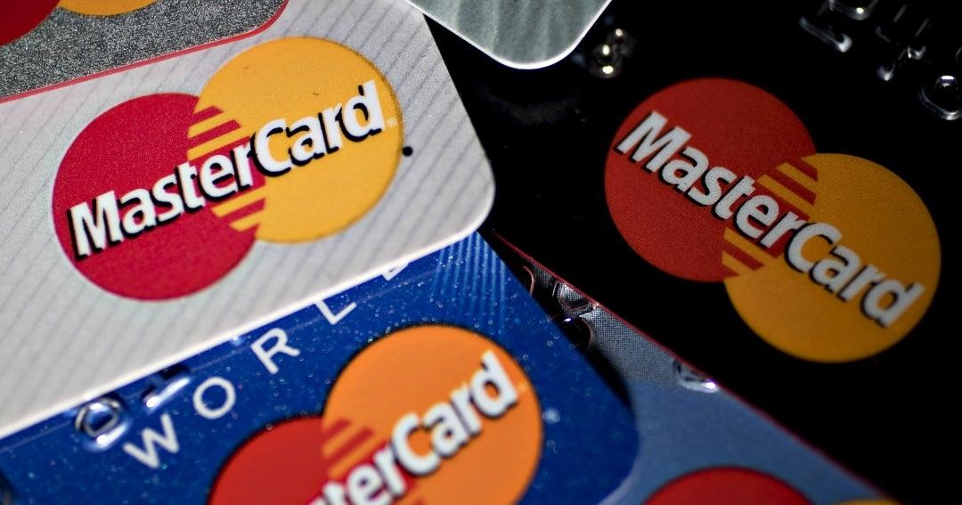 Mastercard dejará que clientes trans usen identidad verdadera