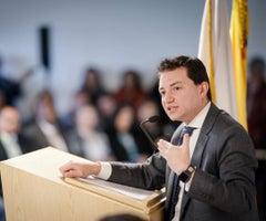El contralor Carlor Felipe Córdoba presenta la red de estudiantes personeros