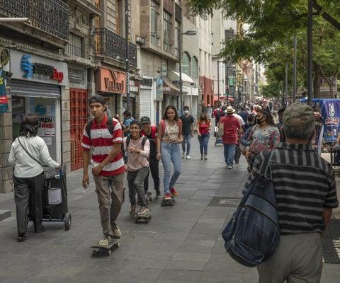 América Latina extiende racha de inflación moderada, pero ya se ven alzas en bienes