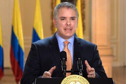 El presidente Iván Duque firmó un decreto que prohíbe importar y exportar  asbesto