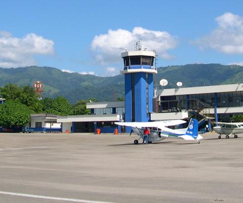 Starblue Airlines se suma a Ultra Air y pide pista para operar en el mercado colombiano